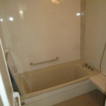 断熱効果抜群の暖かバスライフで安らぎの浴室空間へ 札幌市