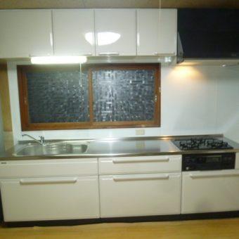 水や湿気に強い高品位ホーロー製のお手入れ簡単システムキッチン 北広島市