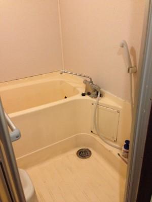 既存浴室12