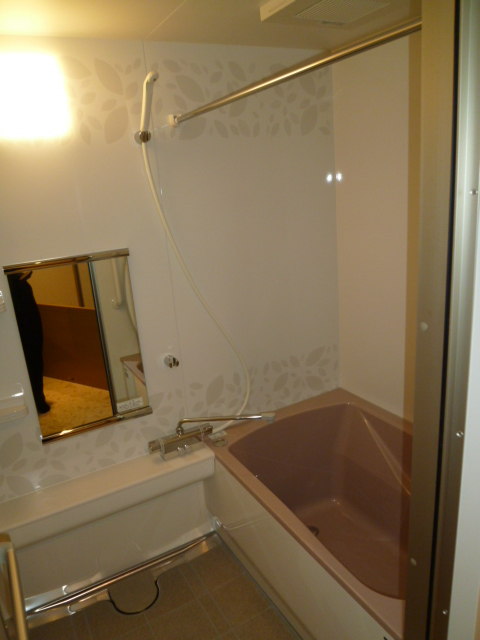 ホーローシステムバス伸びの美浴室