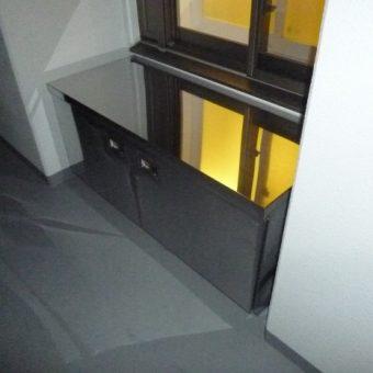 新築マンションオプション工事 バルコニーへ収納キャビネット設置