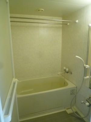 既存浴室84
