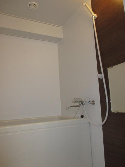 LIXILの集合住宅向けユニットバスルーム1116サイズ