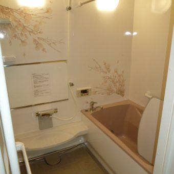 丈夫で長持ち、ずっと美しい タカラ「伸びの美浴室」で浴室リフォーム 千歳市