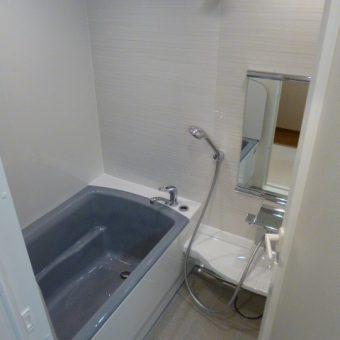 マンションリフォームで本物の鋳物ホーロー浴槽 札幌市