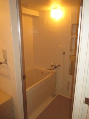 既存浴室68