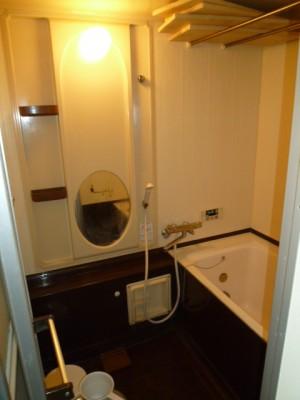既存浴室26