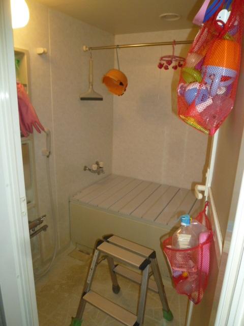 施工前浴室空間