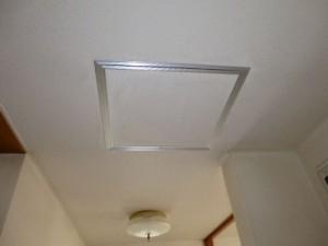 廊下側天井点検口