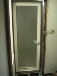 浴室ドア枠設置