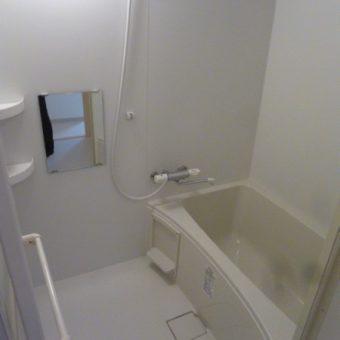 LIXIL集合住宅用ユニットバスルームでリーズナブルにリフォーム!札幌市