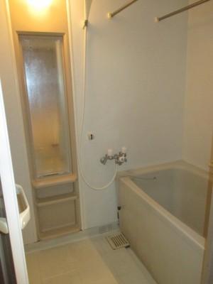 既存浴室106