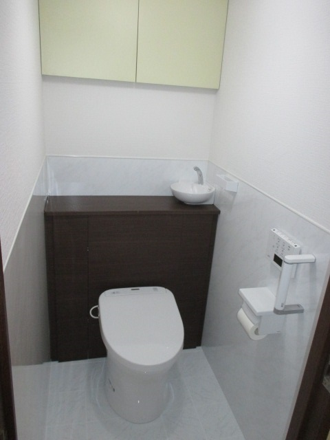 4施工後トイレ TOTOトイレ『レストパル』