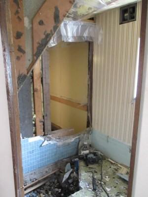 既存浴室解体2