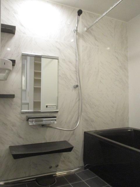 『ぴったりサイズ伸びの美浴室/ベーシックJタイプ』