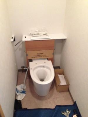 LIXILキャビネット付きトイレ『リフォレ』