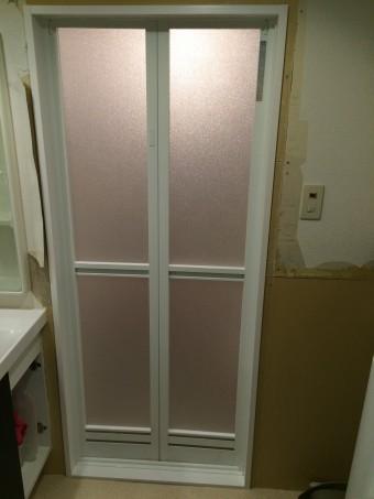 ドア枠樹脂製