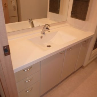 洗面化粧台のカウンターと水栓(蛇口)交換 札幌市マンション