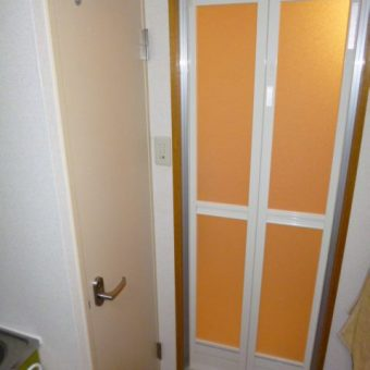 浴室ドア交換で使いやすい出入り口へ 豊平区中の島 マンション