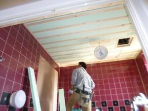 天井下げる