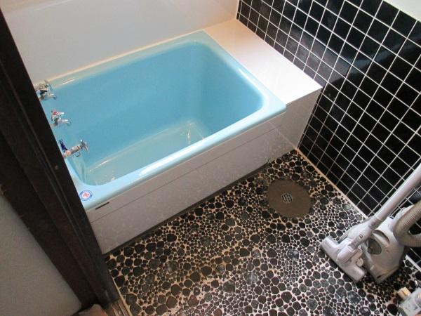 鋳物ホーロー浴槽『ルヴィアス』