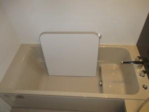 ラウンド浴槽ベンチ付き