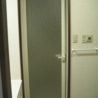 浴室ドア入口枠交換工事 札幌市