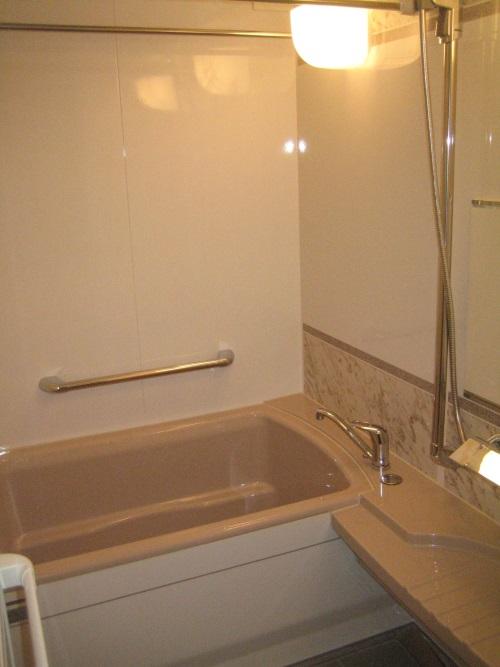 タカラスタンダードのぴったりサイズシステムバス『伸びの美浴室』