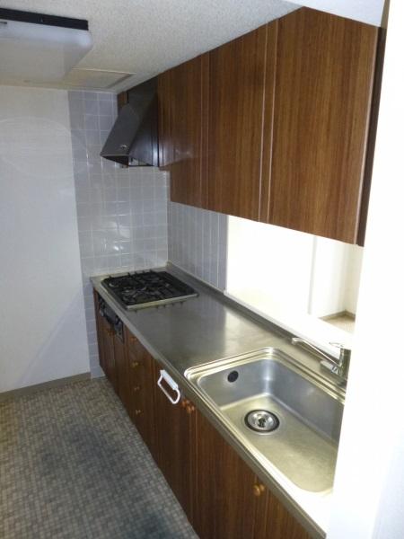 リフォーム前木製システムキッチン