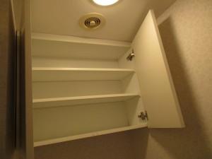 施工後トイレ吊戸棚