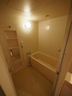 既存浴室102