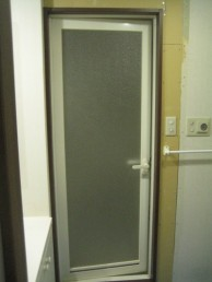 浴室ドア完成