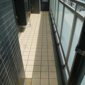 LIXILのバルコニー用ユニットタイル『セライージー』で明るく開放的に! 札幌市