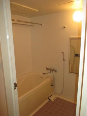 既存浴室129