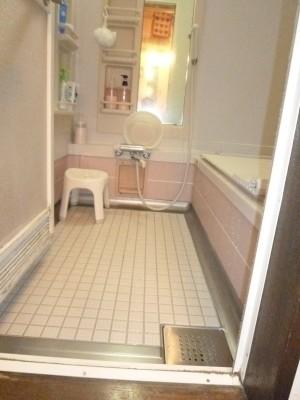 タイル床浴槽