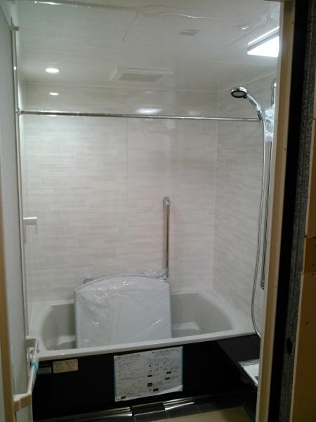タカラスタンダードのシステムバス『伸びの美浴室/ベーシックJタイプ』1418サイズ