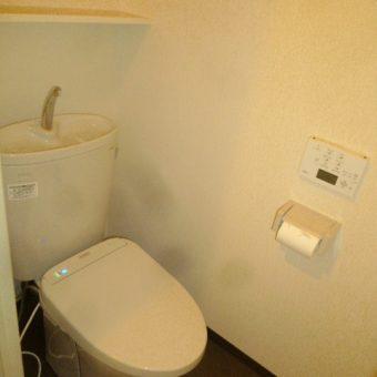 TOTO『ピュアレストEX』組み合わせ便器、スッキリデザインでシンプル空間!