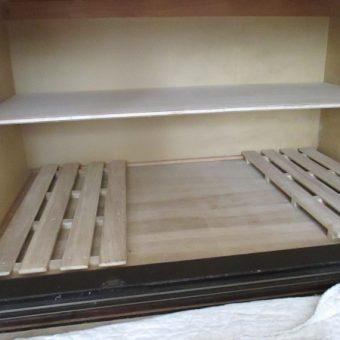札幌市西区戸建住宅 押入れ棚板設置工事
