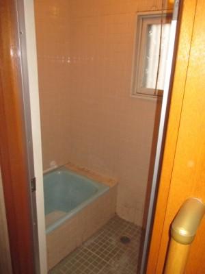 既存浴室85