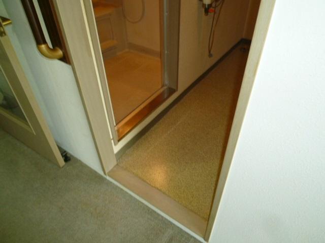 浴室入り口施工前段差