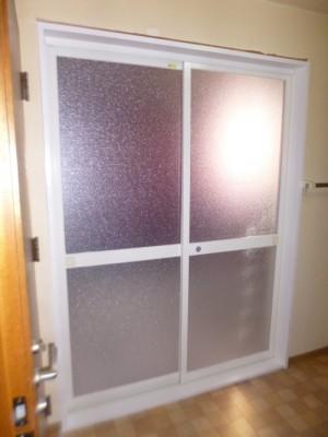 引き違い戸+樹脂枠