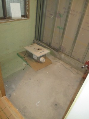 既存浴室撤去解体2