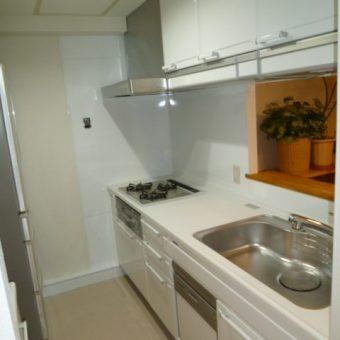 マンションでのキッチンと食器棚のセットリフォーム 札幌市中央区