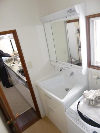 洗面化粧台嵩上げ後