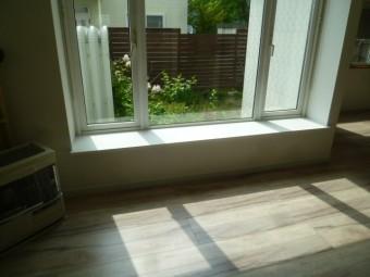窓カウンターホワイト