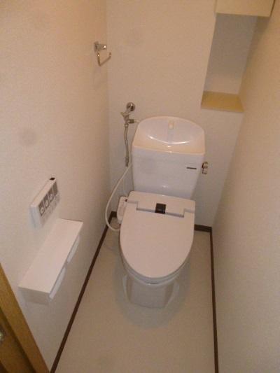 タカラスタンダードの温水洗浄機能付き便座『ティモニSシリーズ』