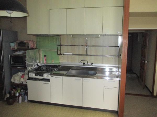 タカラスタンダードの木製キッチンキャビネット『P型』