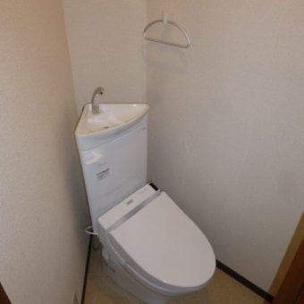 マンション管理人室TOTO和式トイレ改修用便器リモデルトイレへ施工事例!札幌市