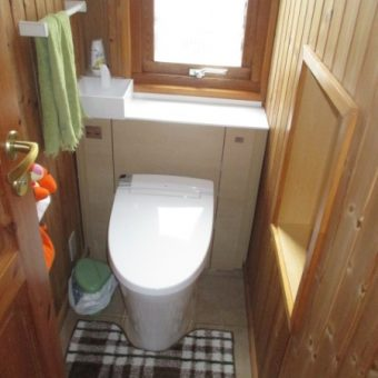 キャビネット付トイレ『リフォレ』でスッキリ収納スペース確保!戸建住宅