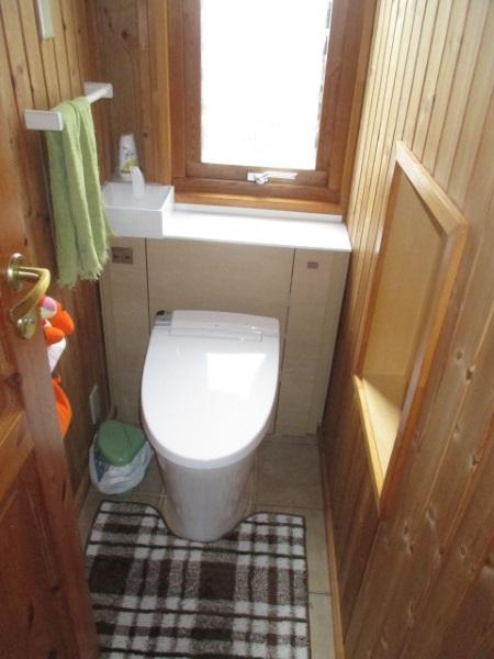 LIXILキャビネット付トイレ『リフォレ』